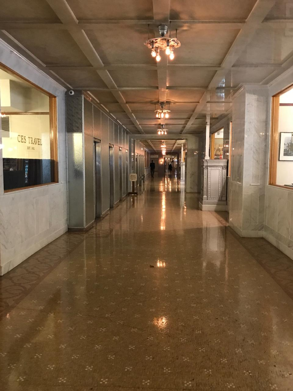 Free Chicago Walking Tour Inside a Historic Skyscraper