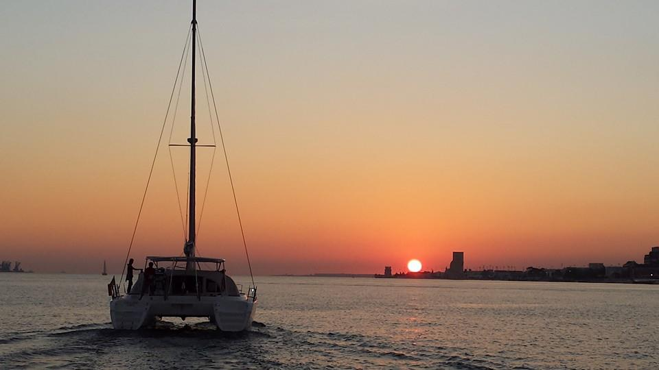 Private Sunset Sailing in Lisbon