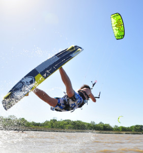 Kitesurfing Lesson 2.5 hour Hit The Water (lesson 2) - Rainbow Beach