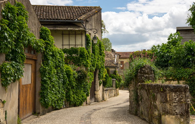 SAINT EMILION VILLAGE & MONUMENTS PRIVATE WALKING TOUR