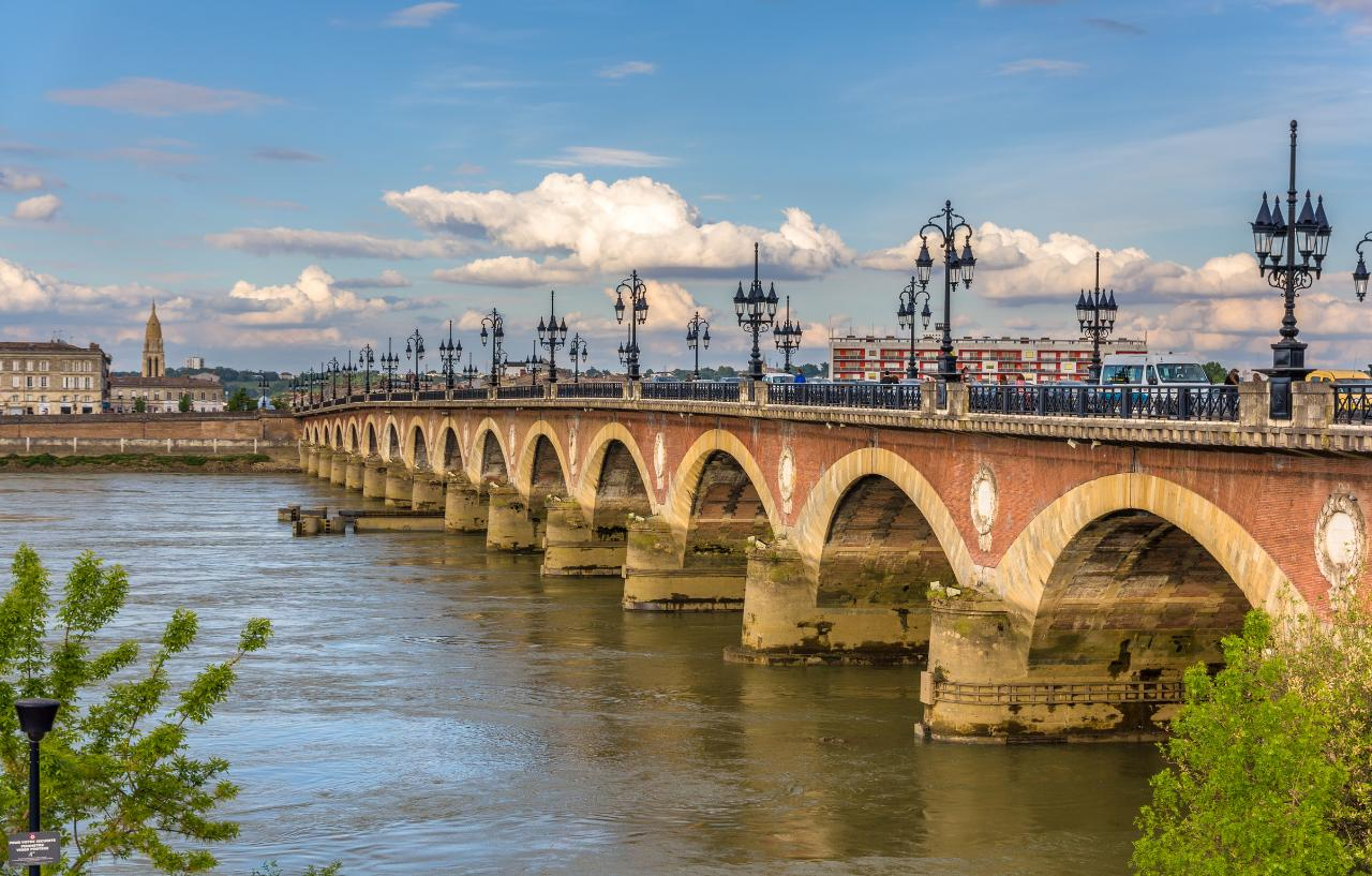 INTRODUCTION TO THE BORDEAUX BLENDS - MULTI DAY SHARED PACKAGE FROM BORDEAUX