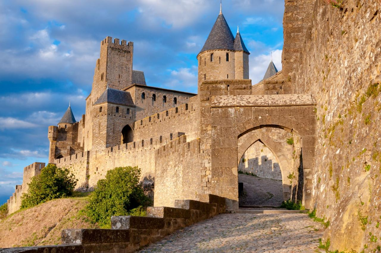 FROM BORDEAUX TO CARCASSONNE TRANSFER