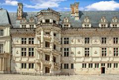 BLOIS, CHEVERNY & CHAMBORD LOIRE VALLEY CASTLES TOUR  INCLUDING WINE TASTING
