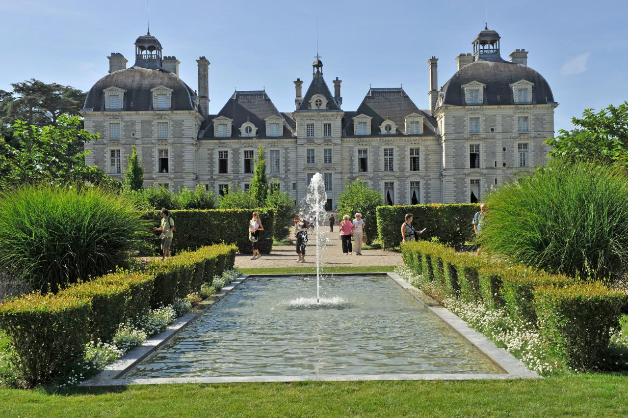 ROMANTIC CASTLES & DELICIOUS WINES OF THE LOIRE VALLEY  FROM AMBOISE