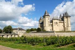 EXCLUSIVE LOIRE VALLEY WINES & HERITAGE PRIVATE TOUR AROUND CHINON