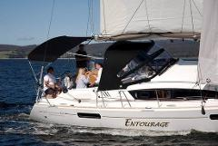 Hobart Tour + 2 Hour Luxury Yacht Sail