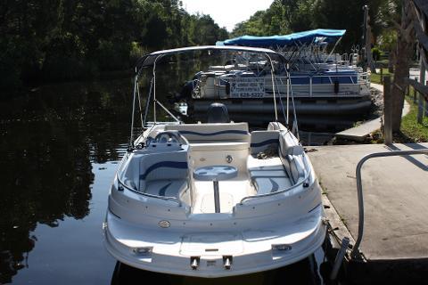 HALF DAY 19 ft  Deck Boat 115 hp 6 passenger - River
