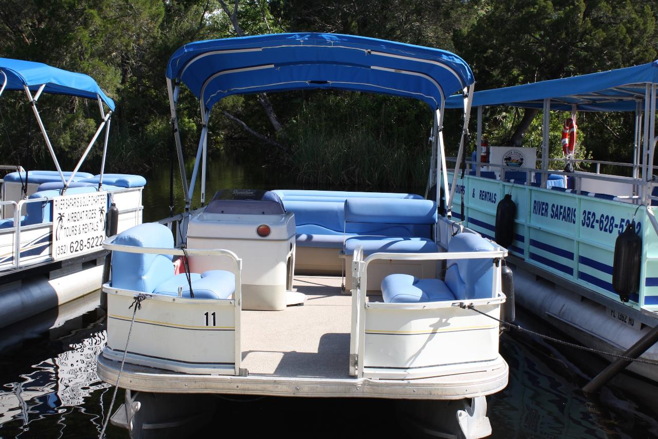 HALF DAY 18 ft. Pontoon 40 hsp motor 6 passenger