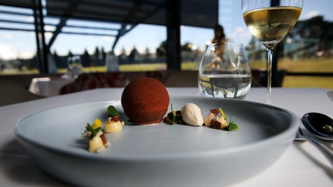 Small Group Max 6 guests Ultimate Yarra Valley Food and Wine: Mercedes Van
