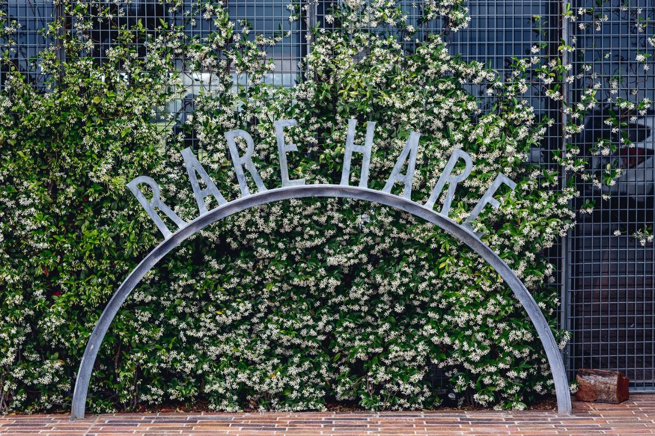 Mornington Peninsula Luxury Weekday 2-6 guests Lunch RareHare Jackalope Hotel