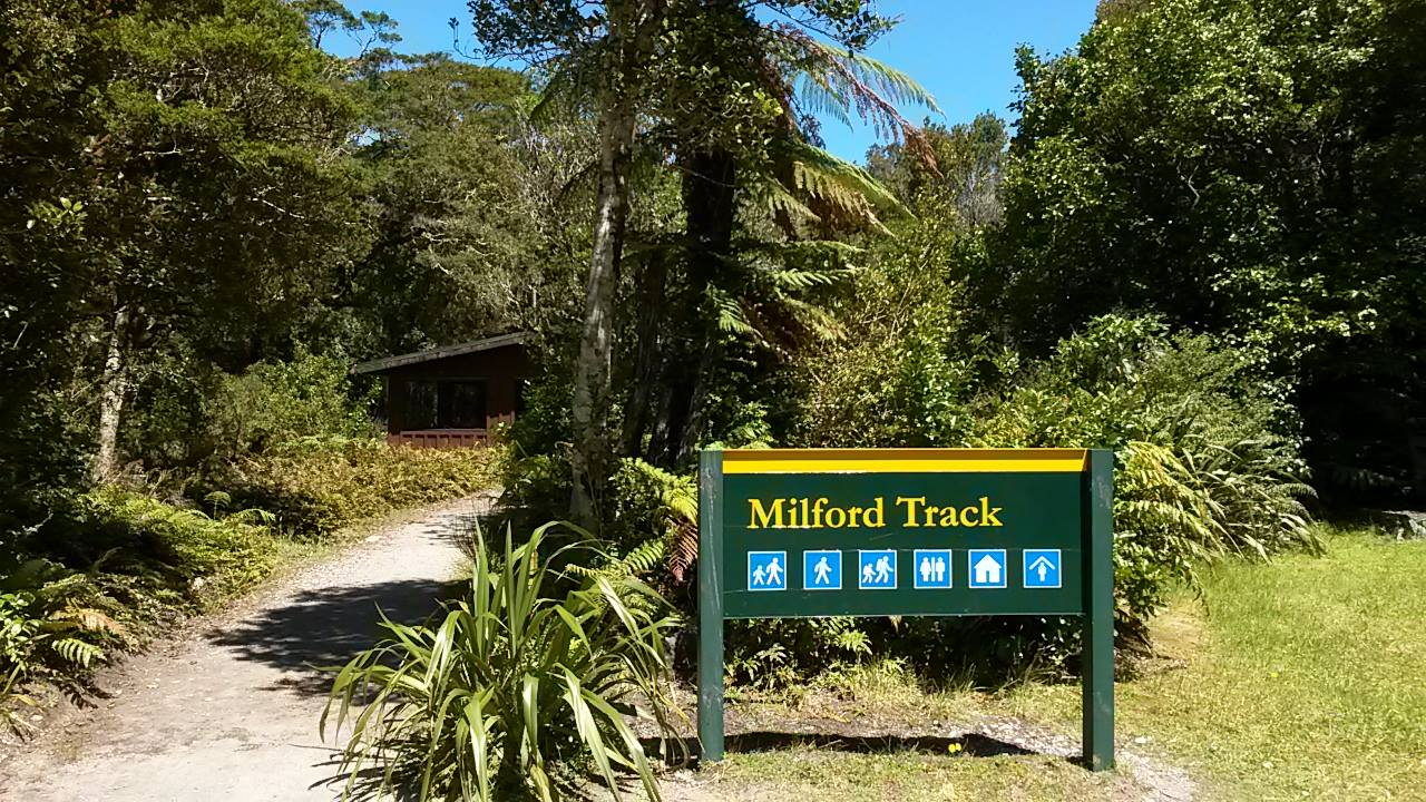 Milford Track Guided Heli-Hike
