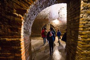 MARCHE INSOLITE: FERMO escape, fuga dalle cisterne romane + CENA speciale per 2!