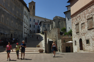 Come in un film: tour di SPOLETO tra le location di famosi film e serie TV per piccoli gruppi