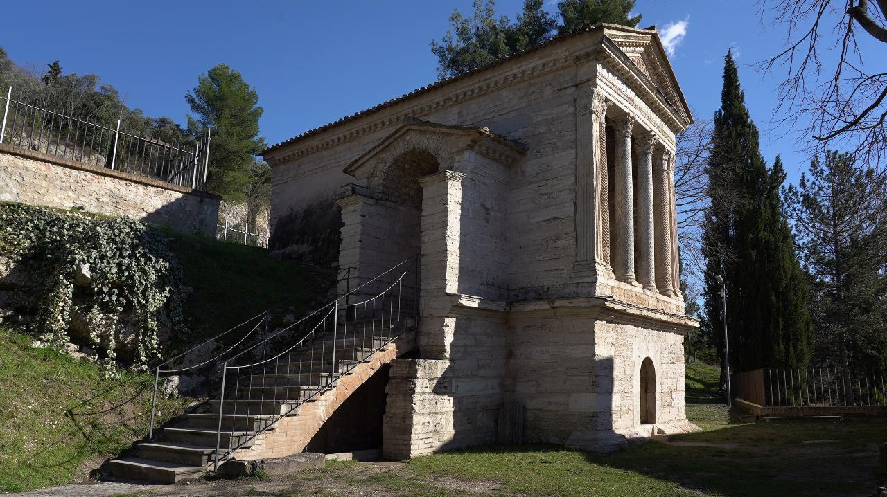 CAMPELLO SUL CLITUNNO _ Visita guidata tematica gratuita _ Il Tempietto sul Clitunno . . . un piccolo tesoro longobardo!