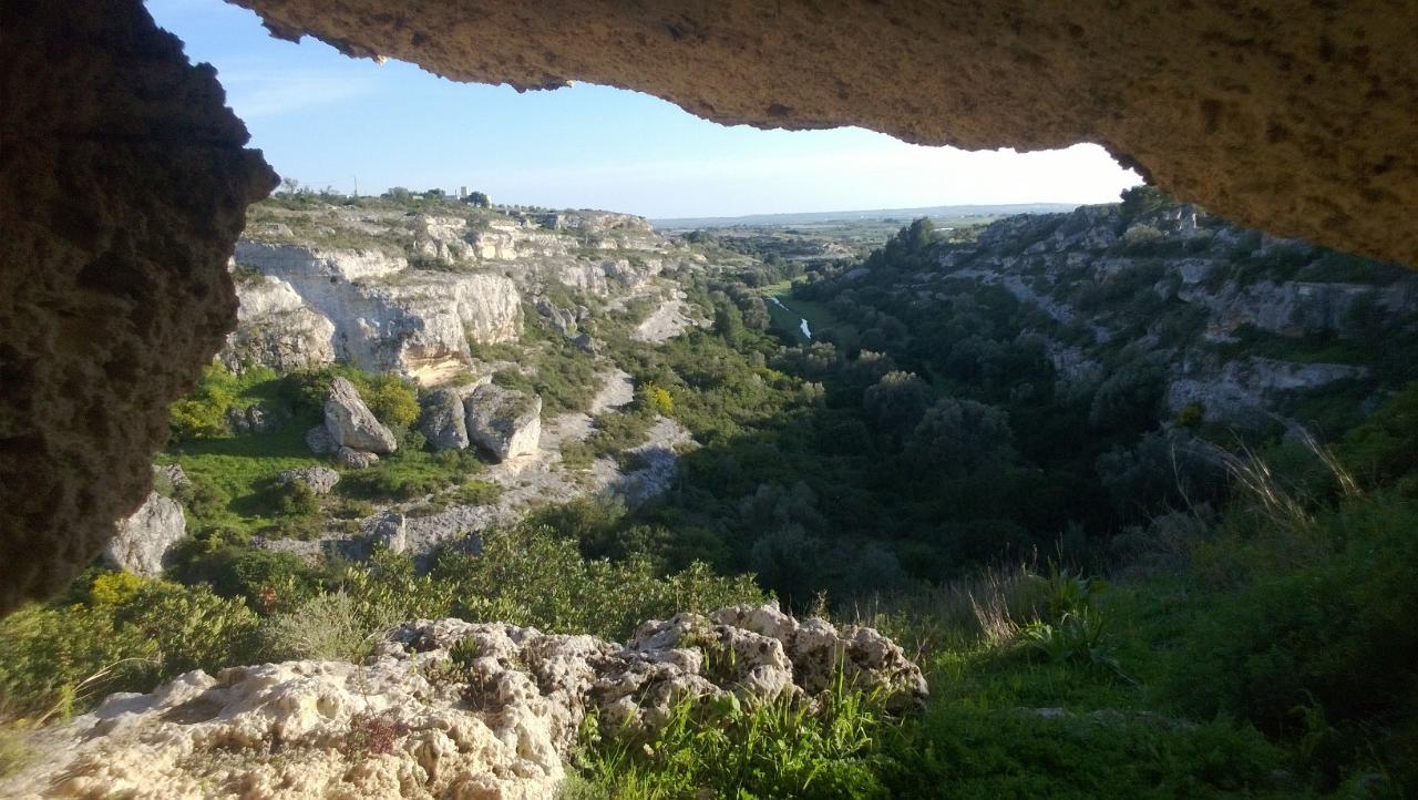Nei meandri della Puglia: viaggio lungo la Gravina di Riggio