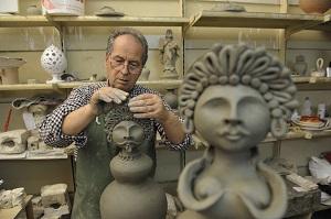 """LI' DOVE LA TERRA PRENDE FORMA..  Suggestivo viaggio nell'unico """"Quartiere delle Ceramiche"""" d'Italia"""