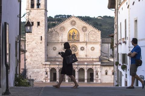 SPOLETO e il buon vivere: tour a piedi tra monumenti e degustazione gourmet per piccoli gruppi