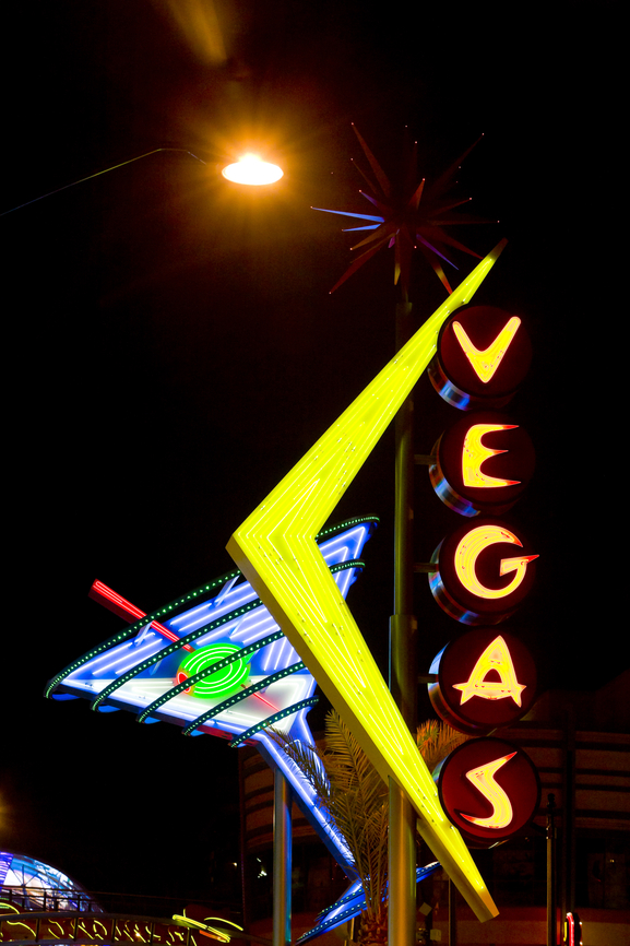 2 hour After-Dark  Fremont Street Tour with champagne and photography