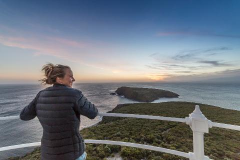 Cape Bruny Lighthouse Sunset Tour – Bruny Island Tasmania Australia