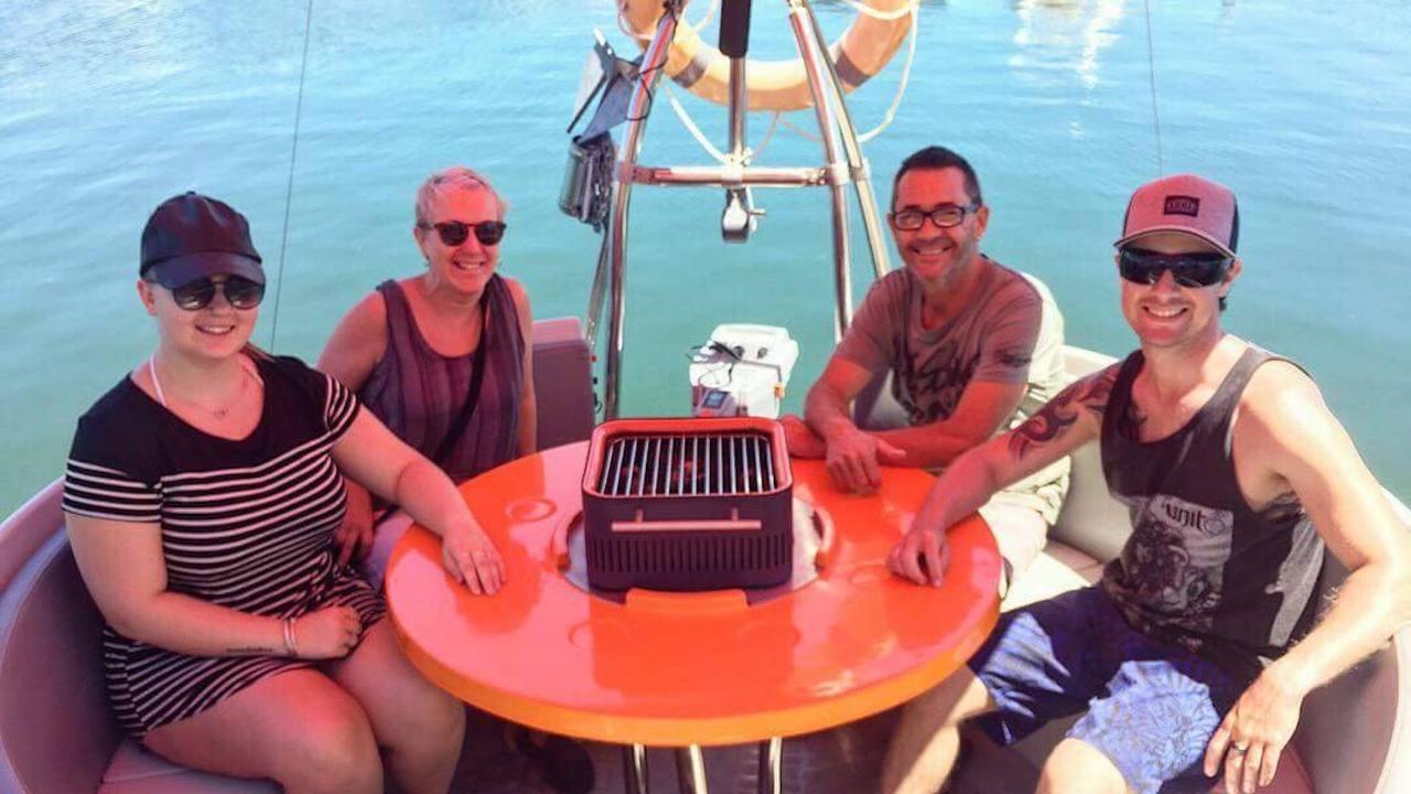 Self-Drive BBQ Boat Hire Mandurah - 6 seater Boat