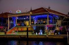 FAMILY CHRISTMAS LIGHTS CRUISE: 1.5 Hour Guided Tour