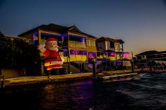 MAGIC CHRISTMAS LIGHTS CRUISE: 2 Hour Luxury Guided Tour