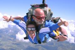 Tandem Skydive - 14'000 feet - groups of 4+