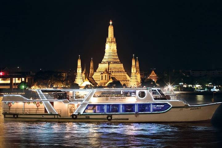 Shangri-La Hotel's Deluxe Buffet Dinner Cruise