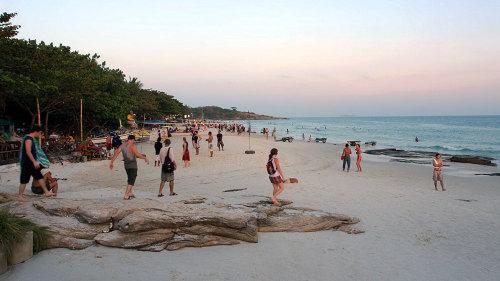 Ko Samet Island Full-Day Excursion