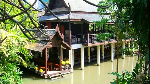 Jim Thompson's House & Suan Pakkard Palace Tour