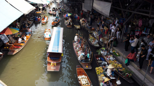 Floating Market Tour with Long-Tail Speedboat Ride