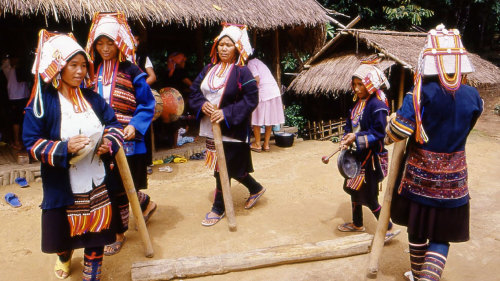 Doi Mae Salong & Akha Hilltribe Village Tour - 13.30pm