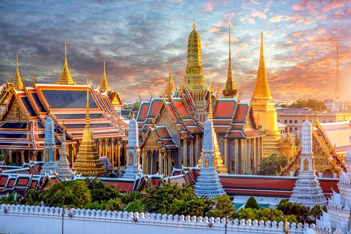 Private Grand Palace Complex Tour with Personal Guide- 12.30pm