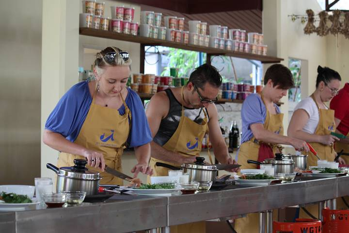 Thai Cooking Class Session with Market Tour & Lunch