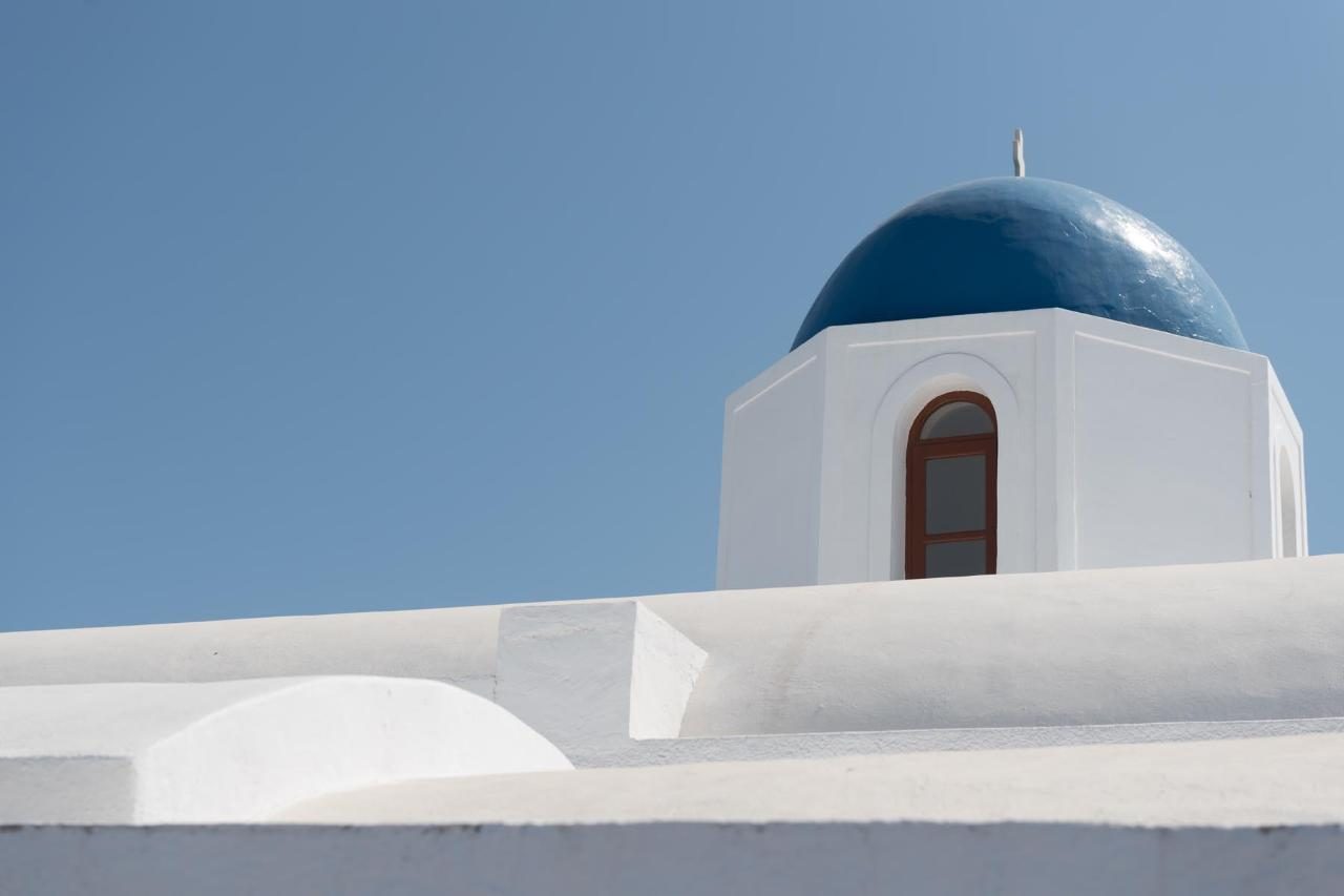 SANTORINI WONDERS - PRIVATE TOUR