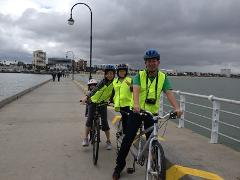 City & Beach path - Melbourne By Bike Tour