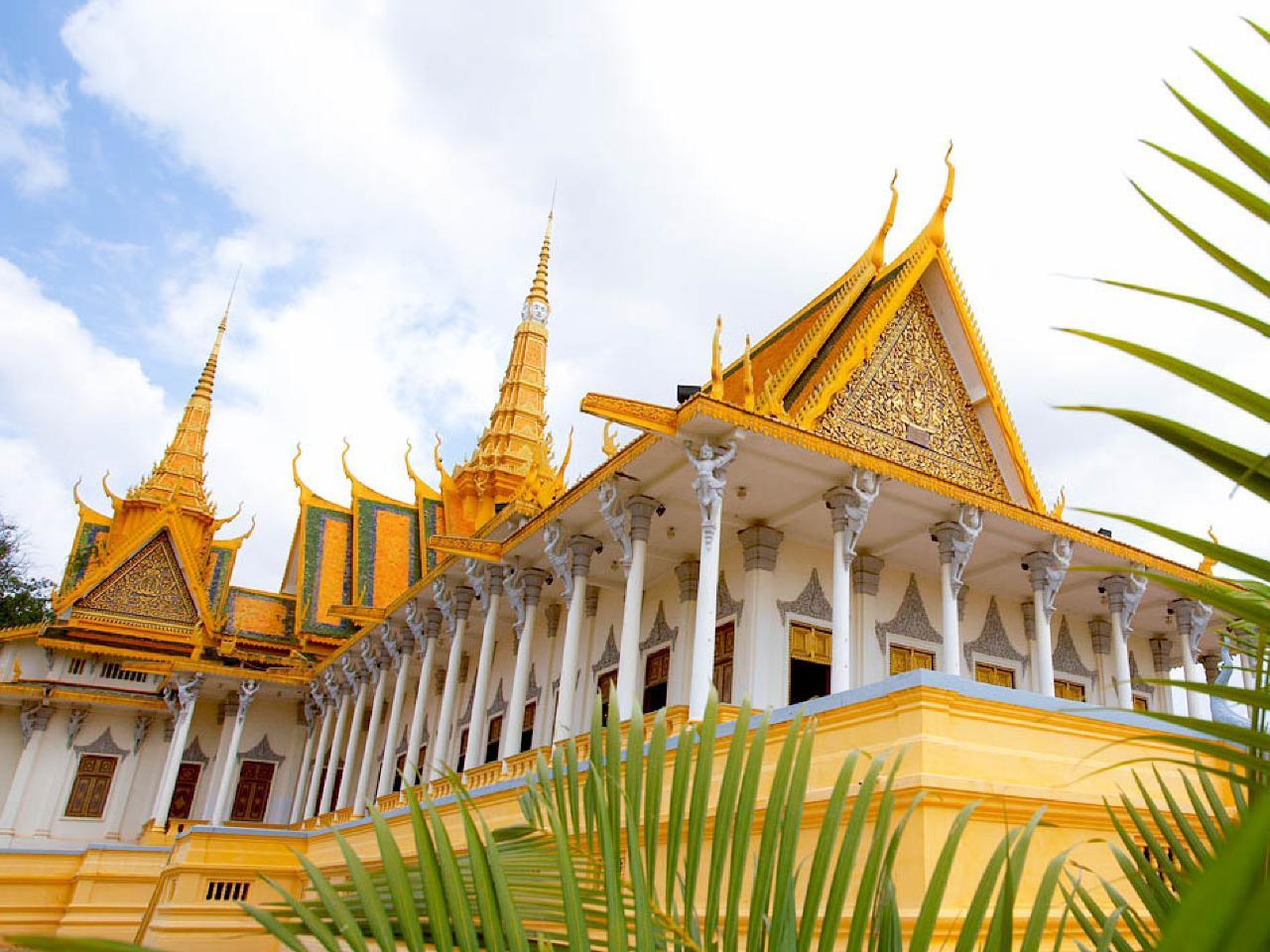 Group Journeys : Cambodia & Vietnam Odyssey