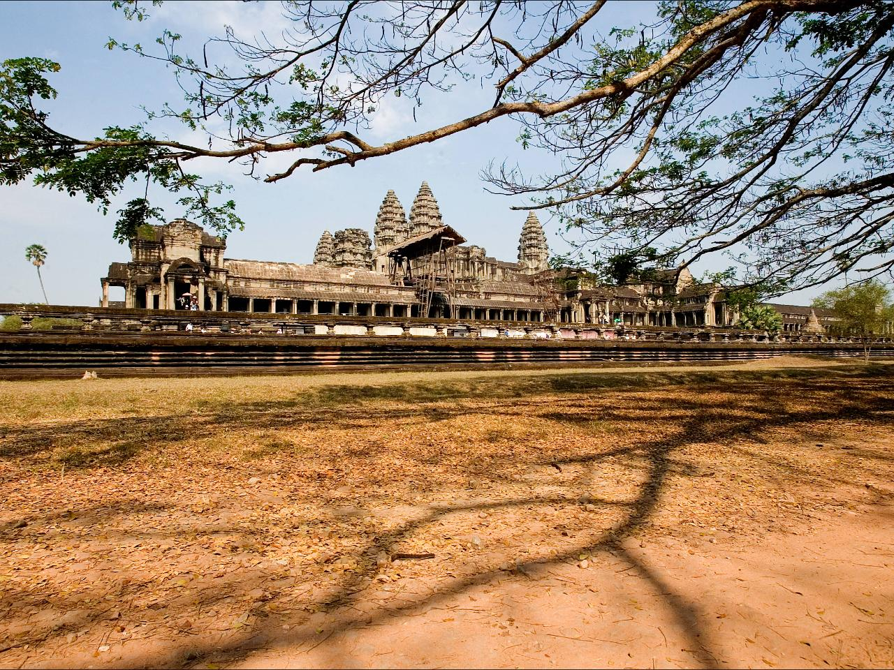 Private Journeys : Temples of Angkor