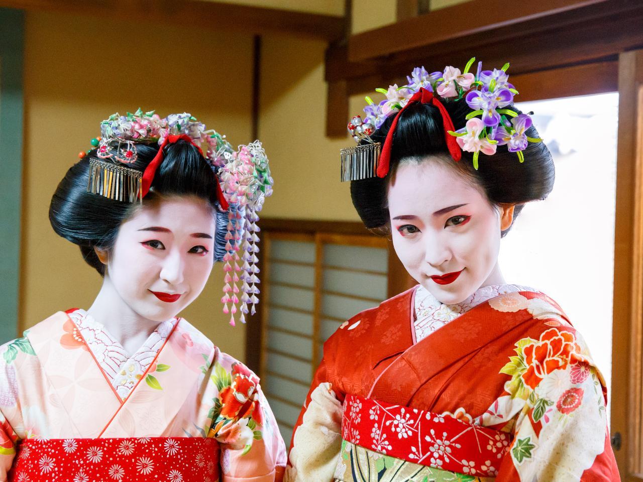 Group Journeys Bargain Escapes : Highlights Of Japan