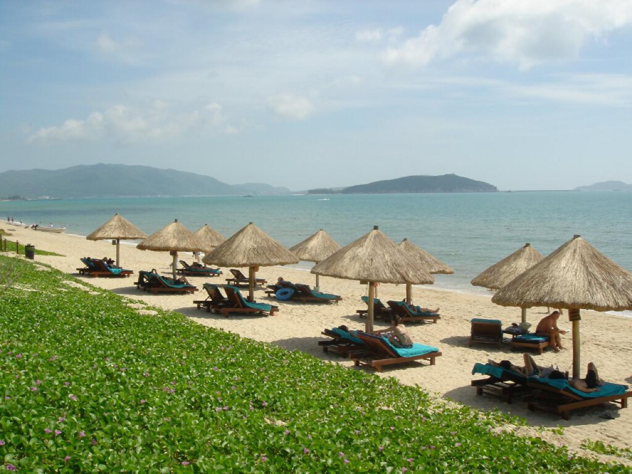 Private Journeys :  Relaxing Sanya
