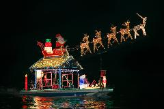 Newport Beach Christmas Boat Parade & Holiday Lights Cruises (15 Passengers Max)
