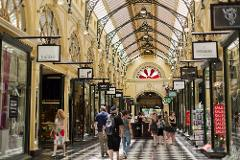 Melbourne Shopping & Sightseeing Walking Tour