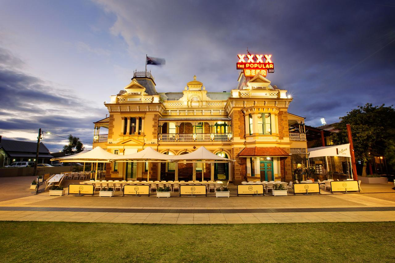 3.5hr CRUISE TO LUNCH PACKAGE 10.30am