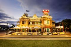 3.5hr CRUISE TO LUNCH PACKAGE 10.30am & 12.30pm