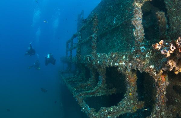 Gift Voucher - Double Dive ex-HMAS Brisbane (includes all mandatory rental equipment)