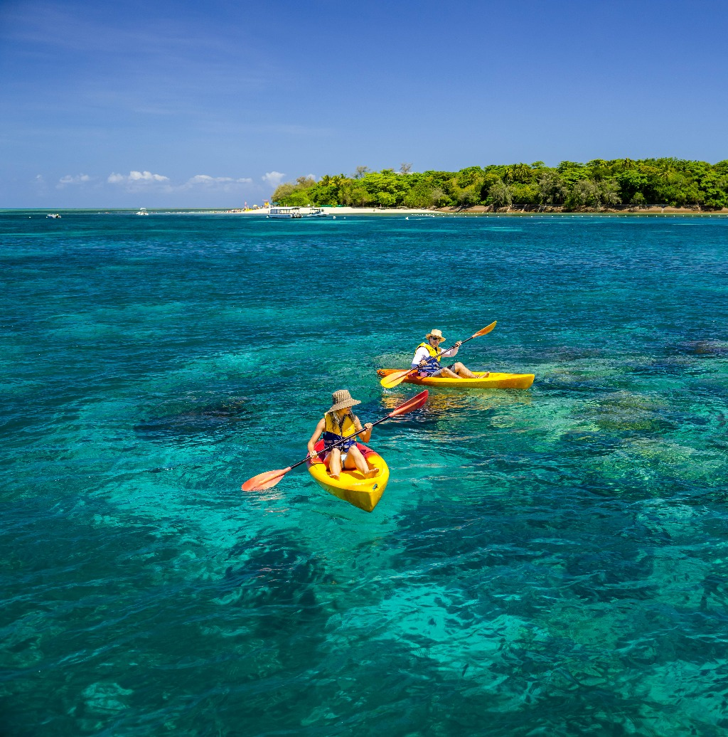 Beach Island: Seawalker + Green Island Eco Adventure Package