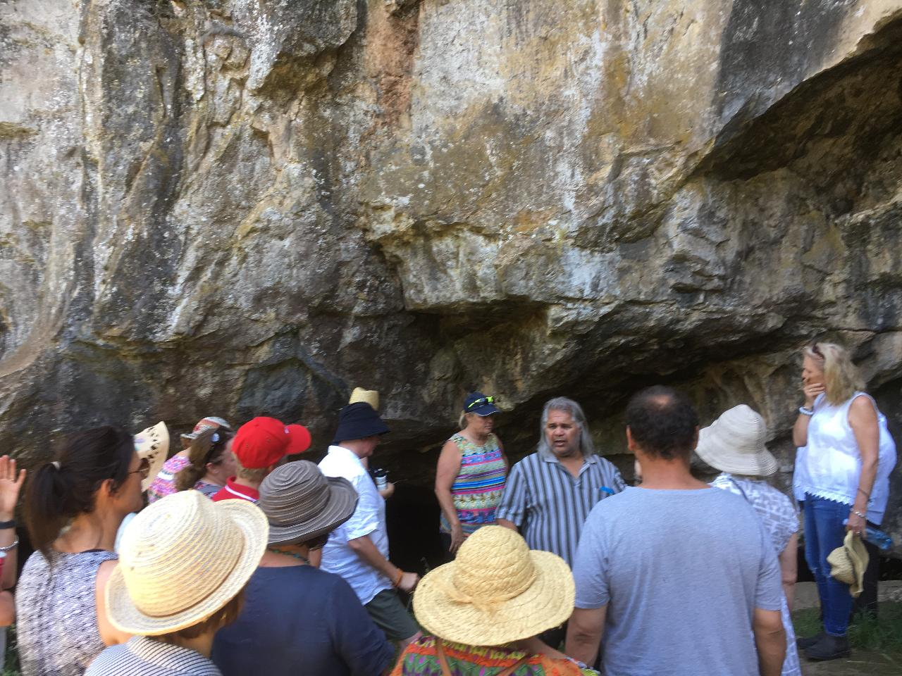 Aboriginal Guided - Wahluu Cultural Tours (groups of 10 - 20 people)