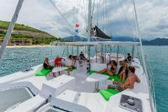 Champagne Sailing Hire for 31 - 43 guests