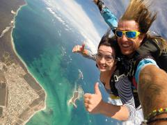 14,000ft Tandem Skydive onto the beach (recommended)