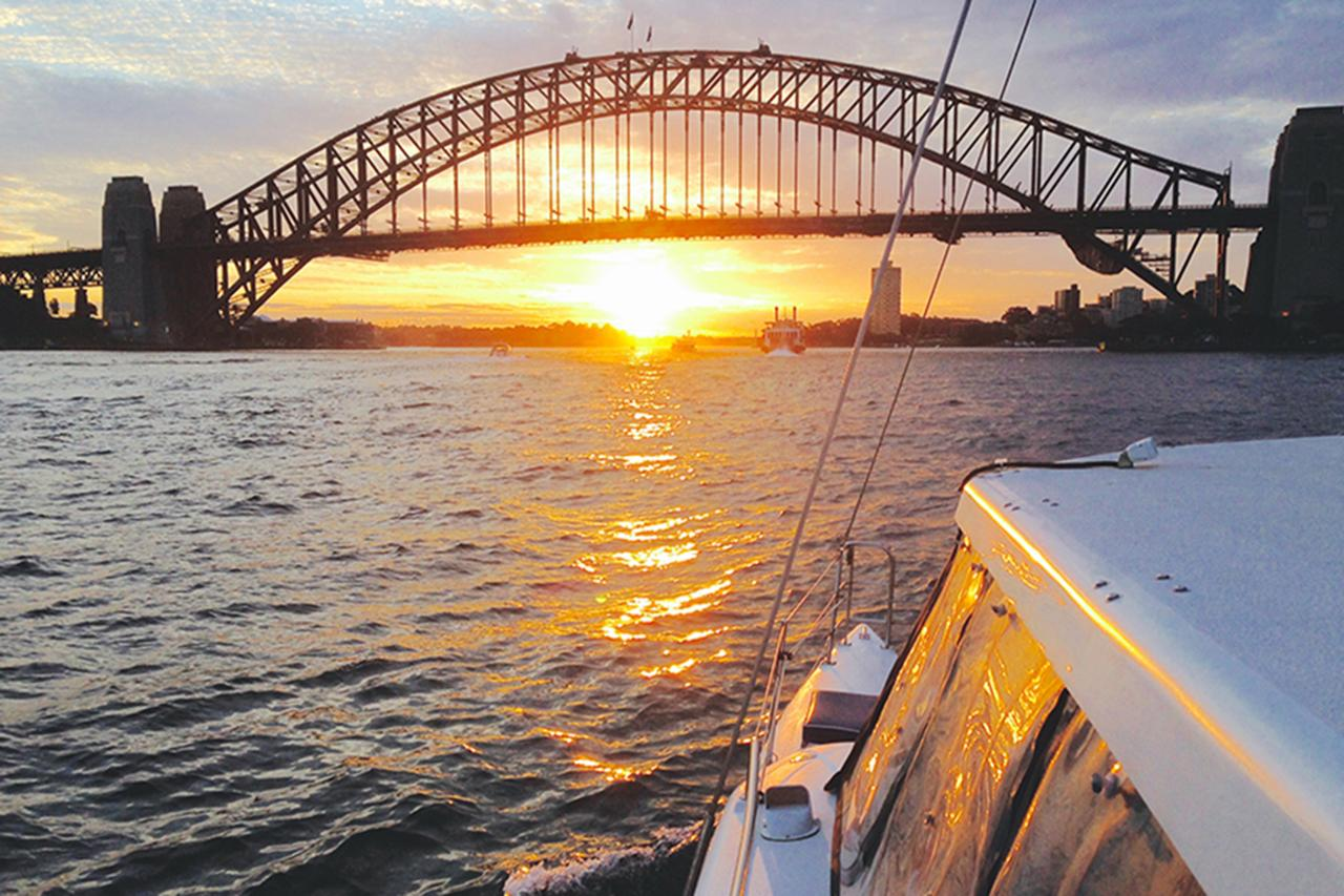 SUNSET & SPARKLE HARBOUR CRUISE